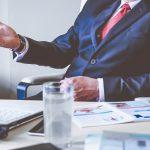 Jakie są podstawowe obowiązki pracodawcy względem pracownika w zakresie BHP?